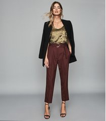 reiss blythe - belted straight leg trousers in berry, womens, size 10