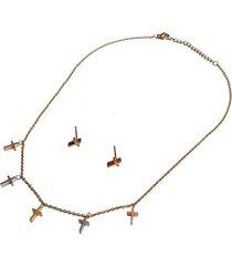collar delicado cruz
