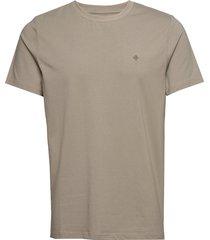 james tee t-shirts short-sleeved grön morris