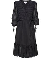 sheer ruffled wrap dress knälång klänning svart designers, remix
