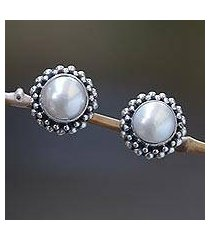 cultured pearl stud earrings, 'discernment' (indonesia)