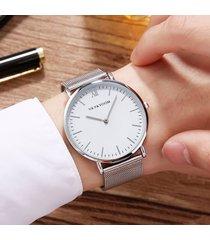 malla de acero inoxidable para hombres con reloj de cuarzo