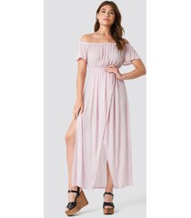 debiflue x na-kd off shoulder long dress - pink