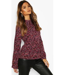 ditsy floral ruffle top, berry