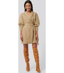 na-kd classic rounded sleeve blazer dress - beige
