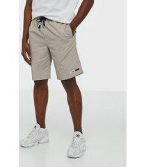 tommy jeans tjm nylon basketball short shorts stone