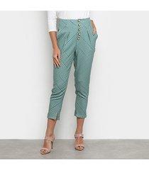 calça carrot enna estampada botões cintura alta feminina