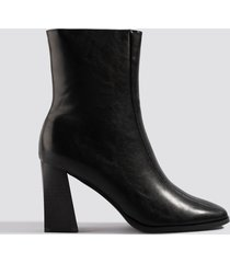 na-kd shoes angular square front boots - black