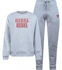 ambika rebel comfy pak