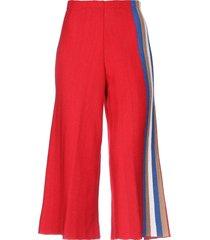 viki-and 3/4-length shorts