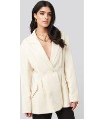 na-kd classic gathered waist blazer - white,beige