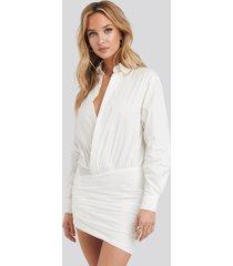 adika x na-kd raquel dress - white