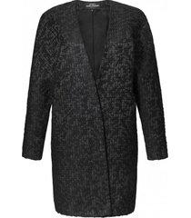 płaszcz przeplatany czarną nitką