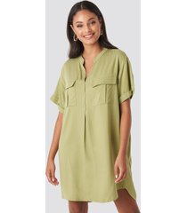 na-kd oversized cargo tunic dress - green