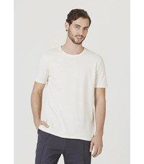 camiseta hering básica manga curta em malha sustentável reuse masculina - masculino