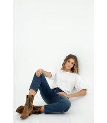 camiseta de mujer, silueta confort clásica con mangas englobadas, color blanco