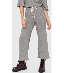 pantalón gris nano palazo