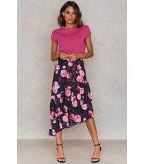 na-kd boho bottom frill midi skirt - pink,multicolor
