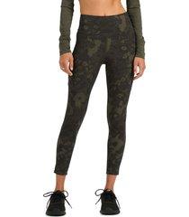 women's vuori stride 7/8 performance pocket leggings, size x-small - green