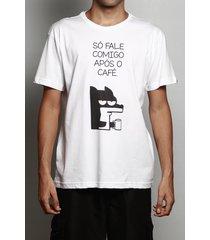 camiseta após o café