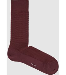reiss whitelock - textured chevron socks in burgundy, mens