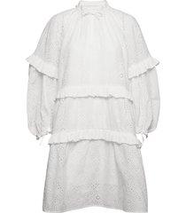frilly knälång klänning vit munthe