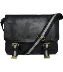 bolsa relicário carteiro de couro luigi preto