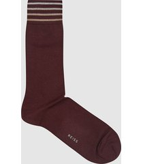 reiss james - cotton blend socks with stripe detailing in bordeaux, mens