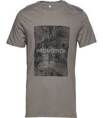 troy print t-shirts short-sleeved grå won hundred