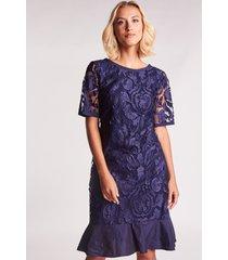 granatowa sukienka koronkowa trinette