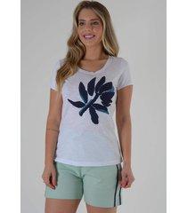 blusa mamorena t-shirt com bordado bicolor azul - kanui