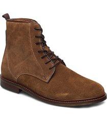 stb-ned s snörade stövlar brun shoe the bear