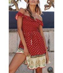 cintura con cordón fuera del hombro de paisley roja vestido