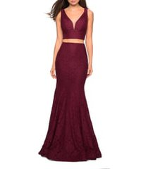 la femme two-piece stretch lace mermaid gown, size 16 in wine at nordstrom