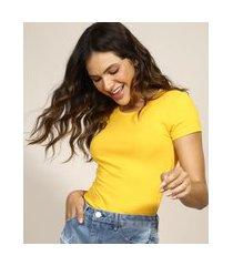 camiseta feminina básico manga curta decote redondo amarela