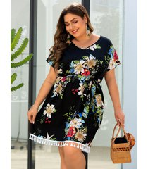 plus talla negro dobladillo con borlas y estampado floral al azar vestido