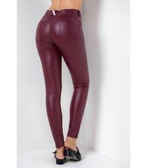leggings de cuero ajustados a la moda con bolsillos laterales burdeos