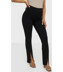 nly trend front cut pants byxor