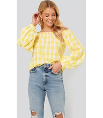 na-kd boho off shoulder structure check blouse - yellow