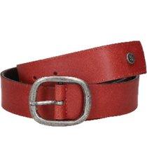 cinturón cuero y remaches rojo