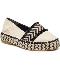 woms slip-on sandaletter expadrilles låga creme tamaris