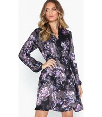 vero moda vmemilia l/s wrap dress sb1 långärmade klänningar svart