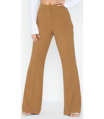 nly trend shaped suit pants byxor
