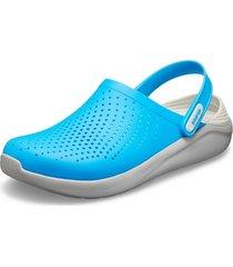 sandalia crocs literide clog azul