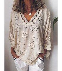 blusa de mangas de encaje de diseño hueco patchwork con cuello en v 3/4 longitud blusa