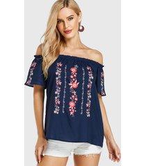 blusa de manga corta con hombros descubiertos y estampado tribal azul marino