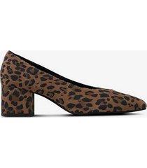 pumps low heel