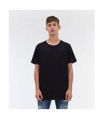 camiseta alongada com etiqueta na barra | blue steel | preto | m