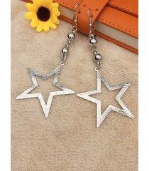 aretes colgantes con forma de estrella