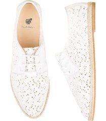 zapatos de verano diseño tejido en cuero , suela en madera y fique, la romantique-bobbies-blanc aerien